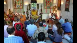 Drubpon Ngawang Tenzin lehrt Bardo Prayer