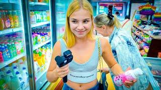 МАРГАРИТА хочет все купить на шоппинге в китайском магазине