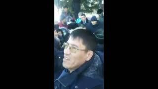 В Казахстане в Зайсане?  Идет стихийный митинг, все дело в Китае?