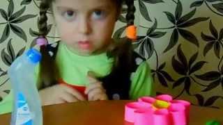 4 years old Anano Kemo making paper flower  / 4 წლის ანანო კემო აკეთებს ქაღალდის ყვავილს