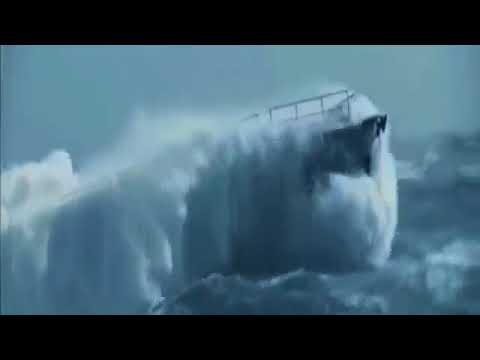 HUGE MONSTER WAVES SHIPS BOATS ROUGH HIGH SEAS BIG OCEAN