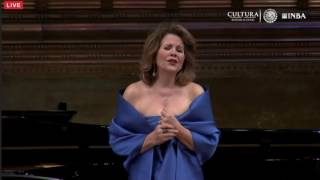 "Renee Fleming - ""Porgi, amor"" - Mexico 2016"