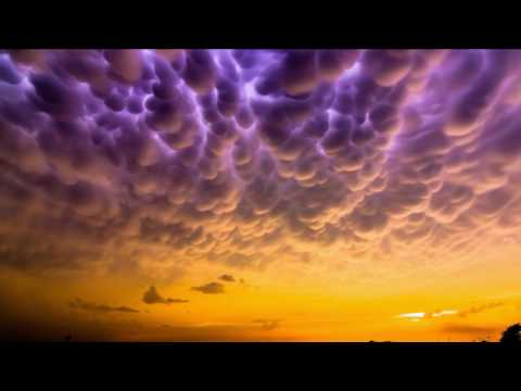 Mammatus Clouds - 10 Strange Weather Phenomena on Sky
