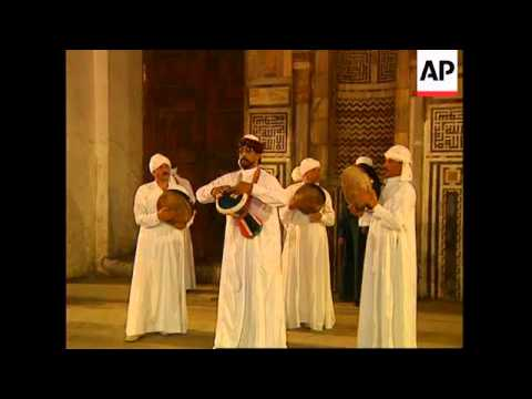 EGYPT: CAIRO: WHIRLING DERVISH DANCE IS A HIT WITH TOURISTS (1)