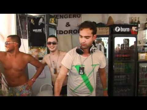 DJ Kolya & DJ Karpekin  Kazantip 2010