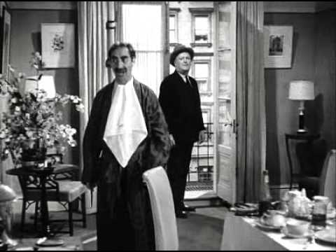 Marx Brothers - A Night at the Opera (1935)_(Scene: Hiding the beds)