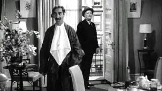 Marx Brothers - A Night at the Opera (1935)_scene5