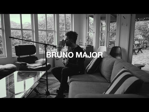 Bruno Major performs Old Fashioned Mp3