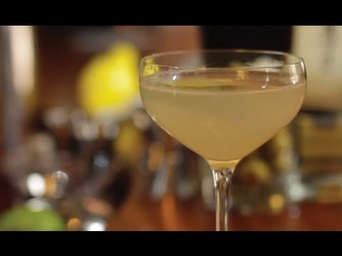 How to Make a Gimlet Cocktail - Liquor.com