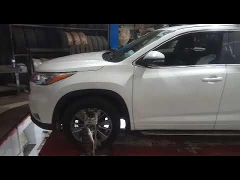 Toyota Highlander 2014 года — Проверка и регулировка углов установки передних колес