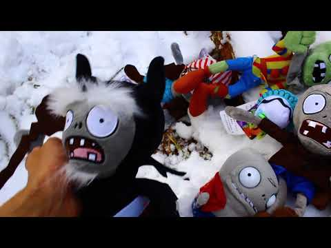 Plants vs. Zombies Plush: Peashooter and Paco's Adventure- Snowy Mountain