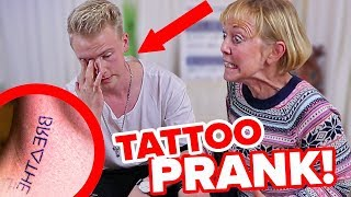 Tattoo PRANK an MUTTER eskaliert ! Ihr werdet nicht glauben, wie sie reagiert hat... II RayFox
