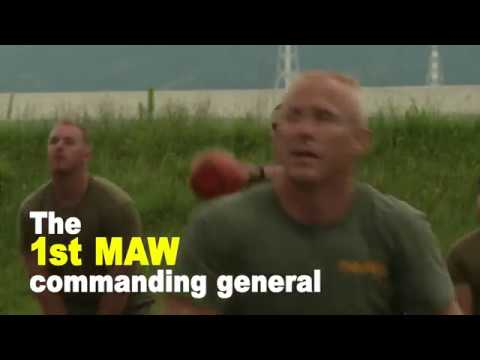 1st Marine Aircraft Wing Commanding General exercises with Marines