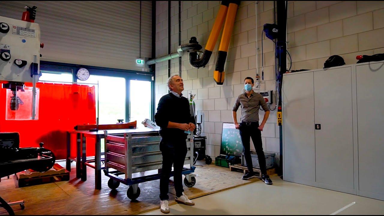 Docenten Actief College onder de indruk van fabriekshal Oud-Beijerland
