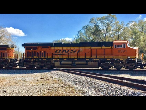 Pacing & Chasing Fast Freight Train From Waycross Georgia! BNSF & CSX Locomotives!