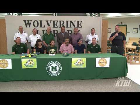 Priscilla Morales Signs Letter of Intent to Laredo Community College