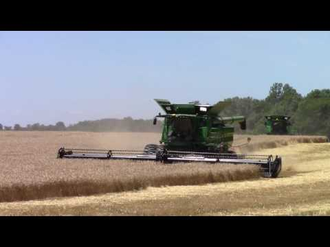 Wheat Harvest 2016:  400 bu John Deere S690 Combines