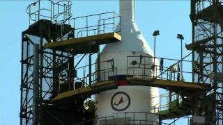 Expedition 43 Soyuz Rocket Moves to Its Launch Pad