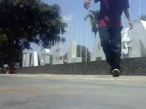Parco studento crip walk
