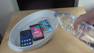 Samsung Galaxy S7 vs. Sony Xperia X Performance vs. iPhone 6S - Water Test!