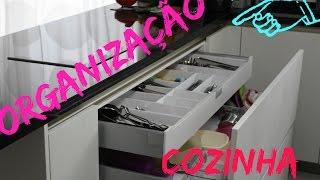 Como organizar as gavetas da cozinha e ganhar + espaço?!