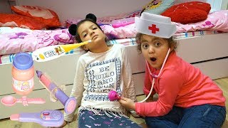 Masal Hasta Öykü Doktor Oluyor ! Kids Play a DOCTOR | Little Boy treats sisters !