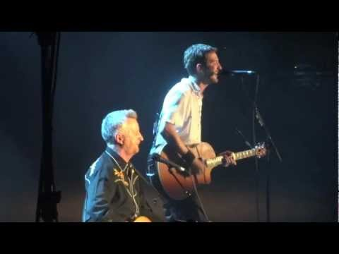 Frank Turner & Billy Bragg - The Times They Are A-Changin' (London, 2012)