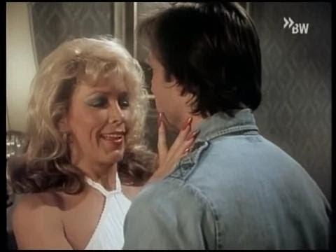 Long nails Stella Stevens and Morgan Fairchild at the end of Season 1