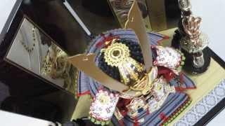 鎧収納飾り五分之一本仕立大鎧銀色縅(彫金龍虎二曲屏風彫金富士山畳付収納飾り)