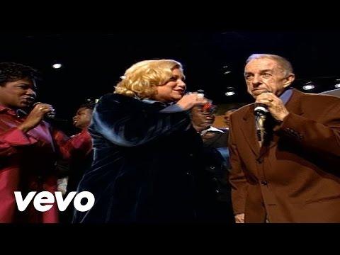 Bill & Gloria Gaither - Searchin' [Live]