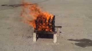 видео Какой огнетушитель для автомобиля лучше, какой должен быть