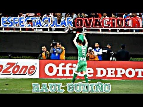 ESPECTACULAR OVACIÓN a Raul Gudiño | Estadio Akron | Chivas vs Toluca 1-0