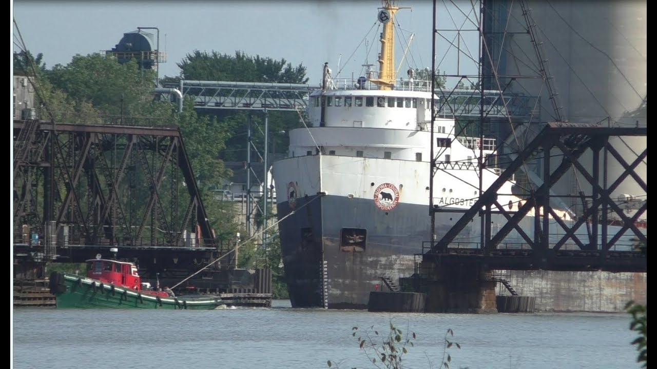 Algosteel with tug assist at Norfolk Southern swing bridge