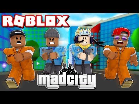 2 CRIMINALS VS 2 COPS CHALLENGE IN ROBLOX MAD CITY!! (Roblox Livestream)