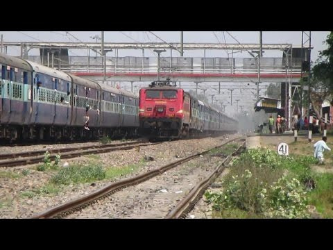 (HD)WAP4 Dibrugarh-Chandigarh express shattered Karpurigram at full speed