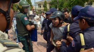 Dân Campuchia quyết tử đòi đất