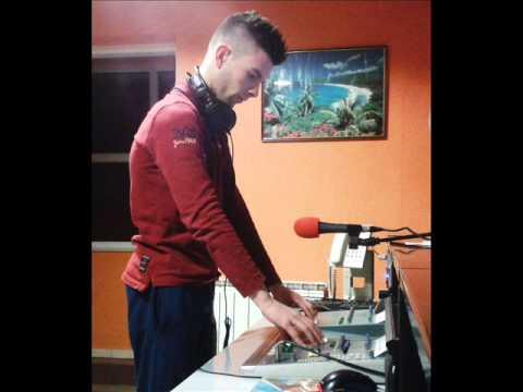 Mc Yankoo ft Andrea Zvuk Rmx by DJ EM DEMO - YouTube