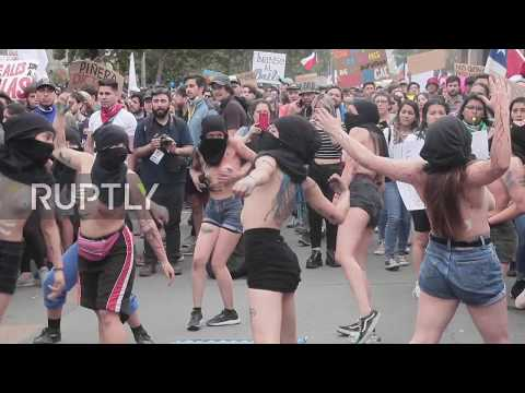 Chile: Around one million protesters flood the streets of Santiago