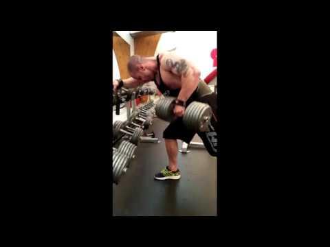 One arm dumbbell row - Bodybuilding Motivation