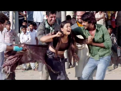 HOT Bhojpuri Actress Forced in Public By Goons thumbnail
