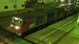 深夜の函館貨物ターミナル 最高のポイントジョイント音 貨物列車