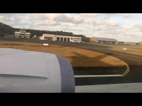 Atterrissage d'un Boeing 787-800 Dreamliner  Air Austral a Mayotte