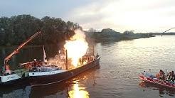 Schiffsbrand auf der Elbe