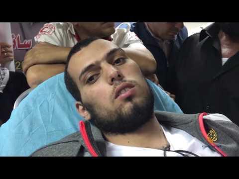 أسير فلسطيني محرر يتحدث عن تجربة الإضراب عن الطعام  - 22:21-2017 / 5 / 21