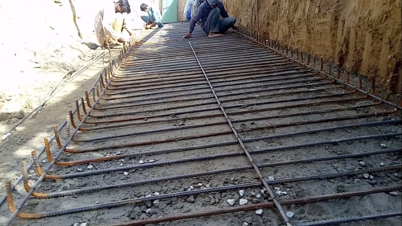Reinforcement fabrication of retaining wall base slab