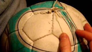 Как зашить футбольный мяч | How to fix soccer ball(Как быстро и качественно зашить футбольный мяч, заводским швом. Подписывайтесь на канал: https://www.youtube.com/channel/UC..., 2016-03-27T11:50:03.000Z)