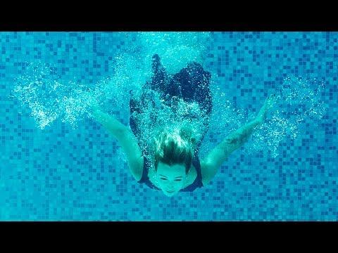 Underwater shooting. Photographer DEMENYUK
