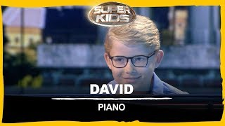 David speelt piano! | Superkids