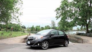 Toyota Yaris 2012 Videos
