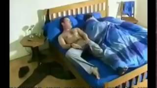 פיני פרץ - כשבעל מרוקאי עושה פיפי במיטה